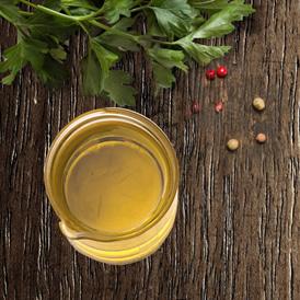 holistyczna karma dla psa - ekologiczne zioła i oleje